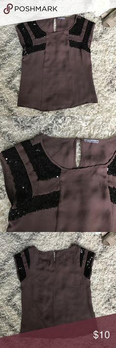 Hot Options Mauve Sequined Short Sleeve Top Make a statement with this sequined top from Australian brand Hot Options. Mauve color. Sequined striped sleeves. Keyhole back. Polyester. AU Size 10 = US Size 6. Hot Options Tops Blouses