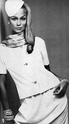 Lauren Hutton, Vogue 1966