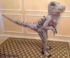 Jurassic World Dinosaurs - 2015 Halloween Costume Contest via Costume Works disfraces halloween ideas Dinosaur Halloween Costume, T Rex Costume, Costume Works, Halloween Costume Contest, Halloween Fun, Jurassic World Dinosaurs, Maquillage Halloween, Halloween Disfraces, Diy Costumes