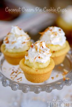Coconut Cream Pie Cookie Cups - Mom On Timeout Mini Desserts, Cookie Desserts, Just Desserts, Cookie Recipes, Dessert Recipes, Pie Recipes, Baking Desserts, Cake Baking, Yummy Recipes