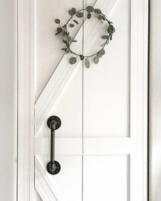 My foyer closet door from plain bifold to diy barn/ farmhouse style