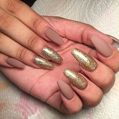 Imagem de nails, Nude, and glitter