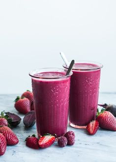 2 cups fresh or frozen strawberries  1 cup fresh or frozen raspberries  1 apple, cored and cut into quarters  1/4 cup diced beets  1 cup coconut water or 100% apple juice (unsweetened)