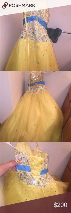 Size 8 formal ball gown prom dress Size 8 lace up back formal ballgown prom dress. Yellow. Good shape! Dresses Prom