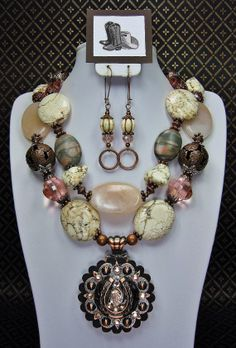Bold Peach/Creamy White Turquoise Chunky Western Statement Cowgirl Necklace Set  with Copper Horseshoe Concho Pendant - HoRSeSHoE SWeeT