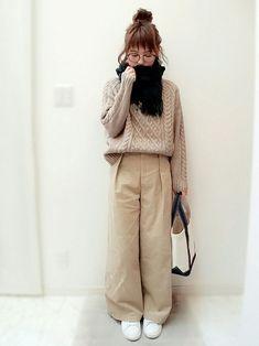 GUのマフラー・ショールを使ったmaamin♡のコーディネートです。WEARはモデル・俳優・ショップスタッフなどの着こなしをチェックできるファッションコーディネートサイトです。 Cold Weather Outfits, Fall Winter Outfits, Autumn Winter Fashion, Spring Fashion, Uk Fashion, Knit Fashion, Womens Fashion, Tokyo Street Style, Wide Pants