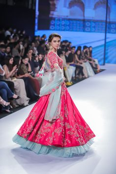Kalki Bridal 2018 Lehenga retails between INR to INR Lakhs. Check out the full collection with prices here. Sarees, fusion wear all included. Pink Bridal Lehenga, Indian Bridal Lehenga, Bridal Sarees, Rajasthani Lehenga, Lehenga Wedding, Designer Bridal Lehenga, Pink Lehenga, Indian Wedding Gowns, Indian Dresses