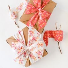 Learn how to make this incredibly affordable, easy, beautiful fabric ribbon.