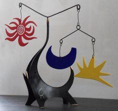 Alexander CALDER (d'après) Black Elephant Sculpture en bronze Signée du monogramme de l'artiste Limité à 999 exemplaires numérotés dans le bronze Fournie avec certificat d'authenticité Gordon, ancien secrétaire de Calder Hauteur 30 cm x Largeur 38 cm