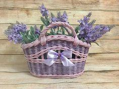 Basket with lavender.