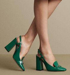 Some nice shoes shoes casuales cómodos de vestir deportivos hermosos hombre mujer vans Fancy Shoes, Unique Shoes, Pretty Shoes, Hot Shoes, Beautiful Shoes, Women's Shoes Sandals, Me Too Shoes, Shoe Boots, Shoes Sneakers
