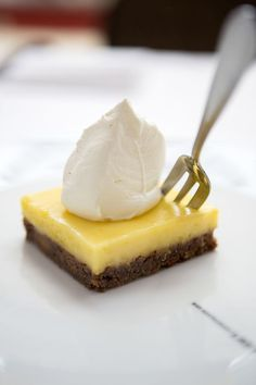 Lemon Pie by Herman den Blijker (column AD) Sweet Desserts, No Bake Desserts, Sweet Recipes, Baking Recipes, Cake Recipes, Dessert Recipes, Sweet Pie, Happy Foods, Tapas