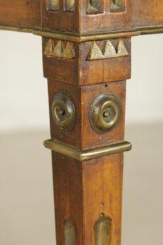 Tavolino in stile Neoclassico - gamba