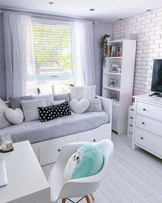 Bedroom Decor For Teen Girls, Cute Bedroom Ideas, Room Ideas Bedroom, Small Room Bedroom, Home Decor Bedroom, Small Rooms, Ikea Bedroom, Bedroom Inspiration, Small Spaces