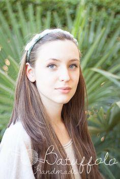 Crochet Head Band - Fascetta capelli ad uncinetto  http://www.misshobby.com/it/oggetti/accessorio-per-capelli-fascetta-elastica-capelli-ad-uncinetto-2