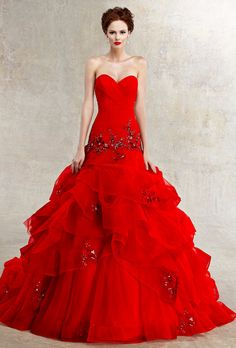 Red wedding dresses is an auspicious color really lovely bride dress. It is true that American culture dress red wedding dress is the announcement of Wedding Dress 2013, Red Wedding Dresses, Wedding Dress Styles, Bridal Dresses, Wedding Gowns, Prom Dresses, Wedding Blog, Wedding Dressses, Tulle Wedding
