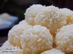 Lemon Coconut, Romanian Food, Bliss Balls, Pastry Cake, Delicious Desserts, Food And Drink, Cooking Recipes, Sweets, Sugar