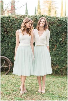 38 Chic And Trendy Bridesmaids' Separates Ideas: mint tulle midi skirts and ivory tops and cardigans Tulle Bridesmaid Dress, Bridesmaid Outfit, Party Dress Outfits, Wedding Party Dresses, Bridesmaid Separates, Frack, Mod Wedding, Rustic Wedding, Trendy Wedding