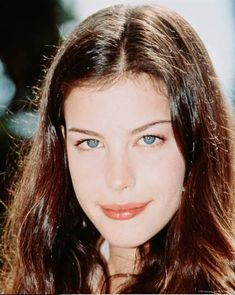 Beautiful Celebrities, Beautiful Actresses, Female Celebrities, Hollywood Actresses, Actors & Actresses, Female Actresses, Classic Actresses, How To Look Attractive, Liv Tyler 90s