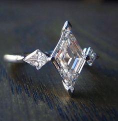 Bague Diamant Tendance 2018 : Spectacular Art Deco style lozenge cut diamond engagement ring from Doyle Art Deco Jewelry, Jewelry Rings, Jewelry Accessories, Fine Jewelry, Jewellery Box, Art Deco Ring, Silver Jewellery, Pandora Jewelry, Designer Jewellery