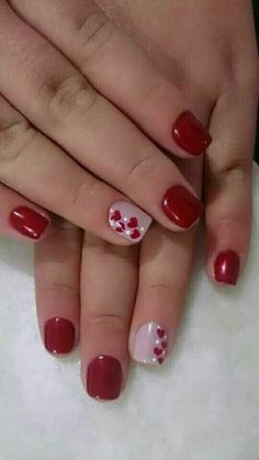 We love cute nail art designs.Have beautiful manicured nails is essential for pretty girls who like to take care of it.These nail designs are as easy as they are adorable. So weve rounded up the most 80 Cute & Easy Nail Art Ideas That You Will Love To Tr Cute Nails, Pretty Nails, Valentine Nail Art, Valentine Nail Designs, Nails For Valentines Day, Valentine Hearts, Cute Nail Art Designs, Heart Nail Designs, Fingernail Designs