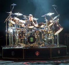 Photos of Neil Peart and Rush Greatest Rock Bands, Best Rock, Great Bands, Cool Bands, Rock Club, Rush Concert, Rush Band, Hair Metal Bands, Les Artisans
