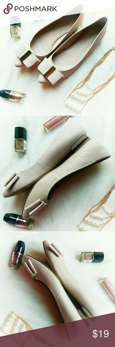 Banana Republic flats *Price Negotiable *No Trades  Adorable bow flats in blush from Banana Republic. Size 8. All man made materials.  One small scuff on one of the bows, otherwise still in VGUC. Soles and heels are in great condition.  {10% off bundles of 2+ listings} Banana Republic Shoes Flats & Loafers
