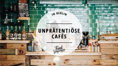 WLAN-frei, ohne Instagram-Hype und mit einem Minimum an Anglizismen auf der Karte: Wir stellen euch 11 sympathisch unprätentiöse Cafés in Berlin vor.