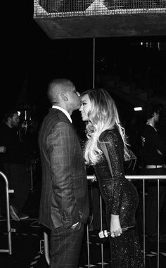 Beyoncé Shares Behind-the-Scenes Pics From the Brit Awards?See the Cute Candids With Jay Z | E! Online Mobile