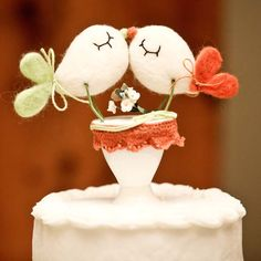 Love bird wedding cake. Love this idea #SpringWedding #weddingcakes