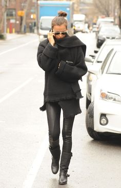 love everything about this outfit. #winterwear #allblack