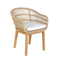 There's nothing quite like the QUIRIMBAS Resin Wicker Garden Armchair for your summer days lounging outdoors. Bistro Chairs, Outdoor Dining Chairs, Outdoor Decor, Wicker Patio Furniture, Home Furniture, Furniture Design, Parasols, Rattan, Armchair