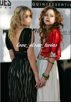 **Olsen Twins in Cannes** : [i]diviinaas! ideales! (L)       novena foto del especial de MK & Ash en el [b]festival de Cannes el 20-05-2005[/b]       espero que os guste!         bss* y gracias por pasar!         [b]SI NO CONTESTO FIRMAS ES POR FALTA DE TIEMPO! CUANDO PUEDA ME PASO! GRACIIAS![/b][/i]         [b]VOTARME POR FAVOR! SO
