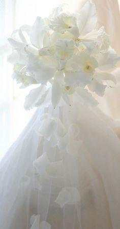 ブーケ ラウンドキャスケード しらゆきというカトレア : 一会 ウエディングの花