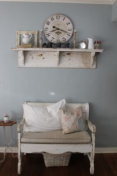 Don't think I like it that distressed! I could use my smaller bench, and add a similar shelf, with pegs/hooks.