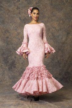 4055eb6da Las 3841 mejores imágenes de Trajes de flamenca en 2019   Moda ...