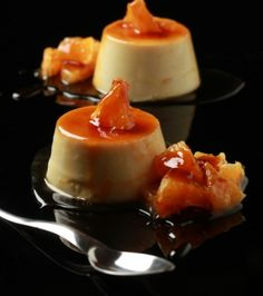 Recipe for Crème caramel from chef Yiannis Lucacos. Creme Caramel, Greek Sweets, Sweets Recipes, Greek Recipes, Custard, Toffee, Panna Cotta, Deserts, Sweet Home