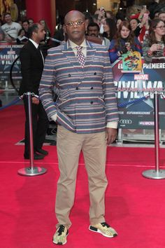 3-Samuel-Jackson-Captain-America-Civil-War-UK-Movie-Premiere-Red-Carpet-Fashion-Tom-Lorenzo-Site (3)