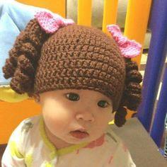Goldilocks crochet baby hat pattern / girl hat pattern/ baby girl hat pattern / Halloween hat pattern - New Ideas Crochet Baby Hat Patterns, Crochet Cap, Crochet Baby Hats, Crochet For Kids, Baby Patterns, Baby Knitting, Knitted Hats, Baby Girl Hats, Girl With Hat