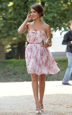 Jessica Alba - Flowy dress! OKAY TO BE CUTE (WEDDING GUEST DRESS)