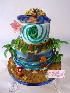 Moana Cake. This cake is So elaborate! Look at all the details. Tamatoa (Shiny Crab), Hei Hei the Chicken, Moana's Canoe and flower, Maui's leaf skirt and Tatoo's, The heart of Tafiti, Sand and Waves! So cool!!! Moana Birthday Party, Moana Party, 6th Birthday Parties, Luau Party, Moana Theme, Birthday Ideas, 4th Birthday, Pretty Cakes, Cute Cakes