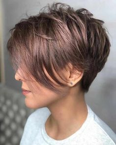 10 Colorful Pixie Haircut Ideas - Short Pixie Cut 2019 In the mean time, the most trendy, easy pixie haircut ideas are veering between snug, delicate colors and edgy, neutral blonde shades! Cute Short Haircuts, Haircuts For Fine Hair, Haircut For Thick Hair, Cute Hairstyles For Short Hair, Short Hair Cuts For Women, Pixie Hairstyles, Short Hair Styles, Pixie Haircut Long, Short Hair Long Bangs