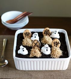 Recipe: Peanut Butter and Chocolate Graveyard Dirt Cake