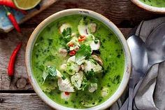 Coconut and spinach soup from iglo Sauerkraut, Cupcake Recipes, Snack Recipes, Spinach Soup, Ice Cream Recipes, Palak Paneer, Pumpkin Spice, Guacamole, Healthy Snacks
