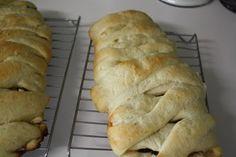 Mommy's Kitchen: White Chocolate Cherry Sweet Bread