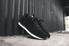 Nike Internationalist - Black / White | Kith NYC