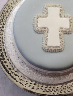 filigree in bleu - Sugar Realm, Fine Bakery & Cake Design