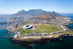 Overall aerial view of Cape Town, South Africa ~ http://suitcasesandsunsets.com/cape-town-south-africa.html
