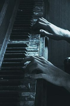 Sebastian adores the piano and tends to play very loud( and occasionally soft) and complicated pieces. It was the least he could do, he thought, after all those years, to at least try to bring it to life again. Story Inspiration, Writing Inspiration, Fantasy Inspiration, Vieux Pianos, Kreative Portraits, Jace Lightwood, Regulus Black, Band Rooms, Old Pianos