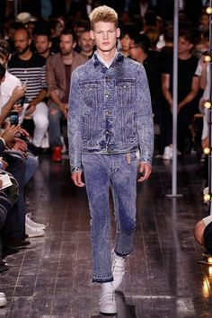 Catwalk photos and all the looks from Ami Spring/Summer 2016 Menswear Paris Fashion Week